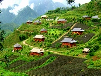 Sapa join group tour